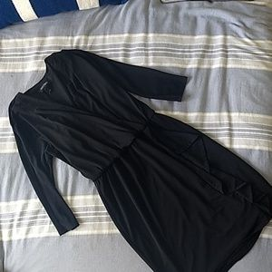Flattering WHBM black dress size 4 for work/fun